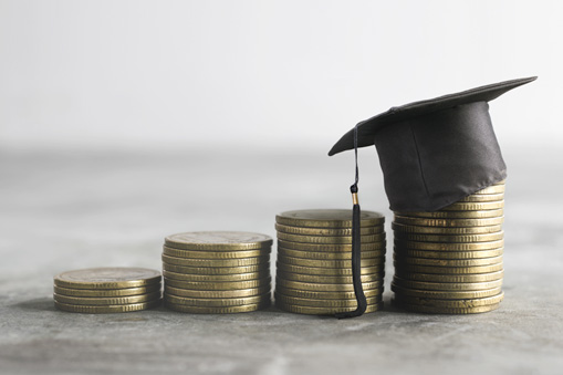 quarters stacked illustrating savings from student loan refinance